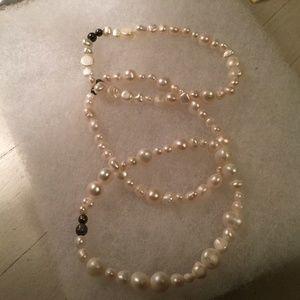 Silpada freshwater pearl stretch bracelet (single)